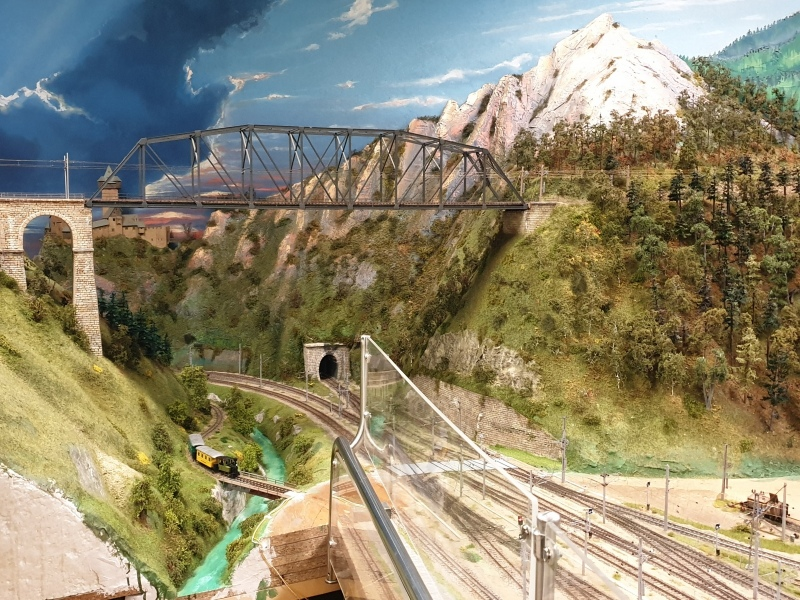 2gleisige Bogenbrücke aus Holz