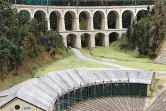 """Blick über den Ringlokschuppen auf das Viadukt """"Kalte Rinne"""""""